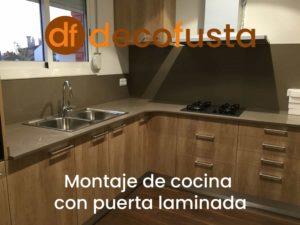 montaje de cocina puerta laminada