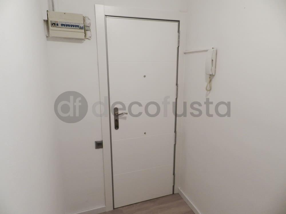 interior lacado puerta entrada