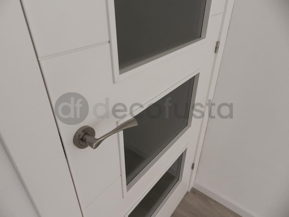 puerta modelo 4 ranuras maneta zeus