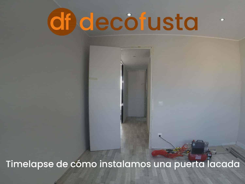 timelapse de como instalamos una puerta lacada