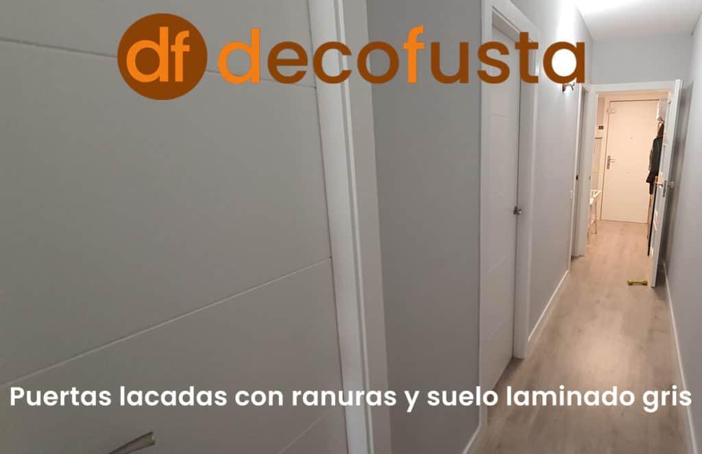 Puertas lacadas con ranuras y suelo laminado gris