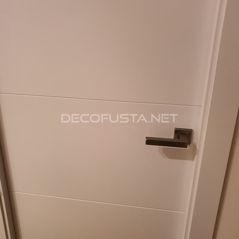 puerta lacada 4 ranuras horizontales