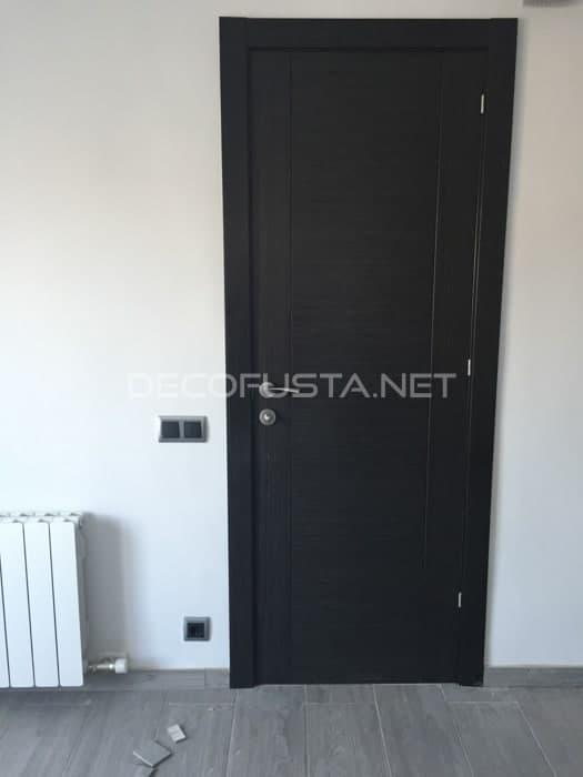 Combinación de puerta roble marengo y suelo gris oscuro