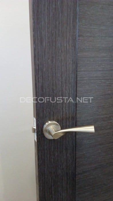 Maneta efecto inox en puerta marengo