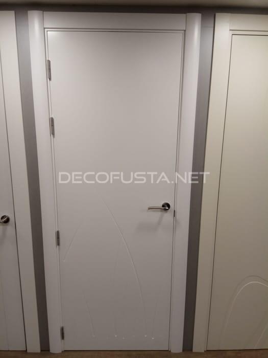 Nueva puerta lacada con lineas