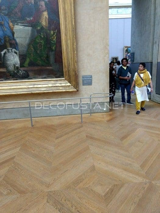 Obras de arte con un majestuoso parquet a sus pies
