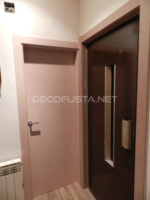 Puerta de ascensor sin forrar