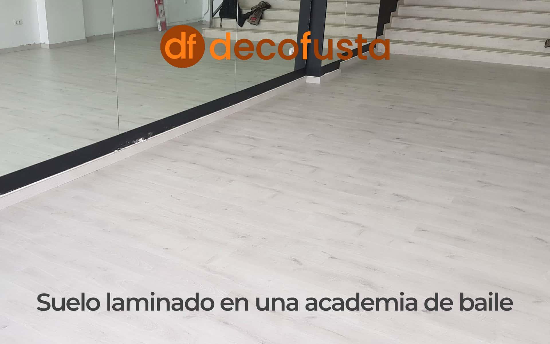 suelo laminado en una academia de baile