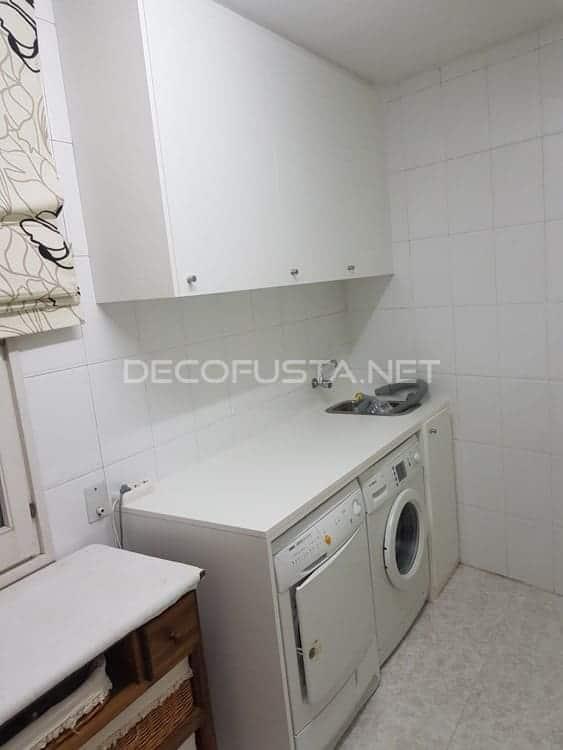 Lavadora y secadora integrada en una mesa multifuncion