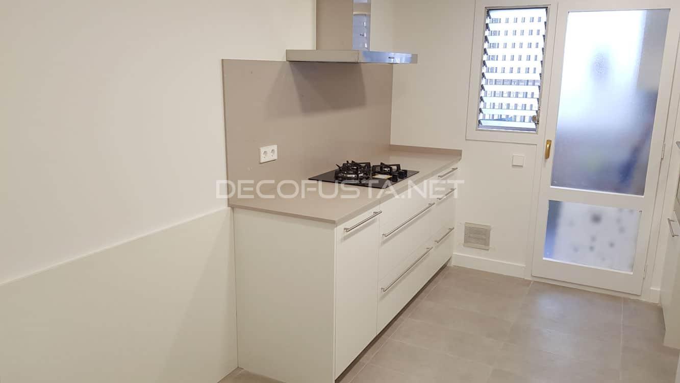 Muebles de cocina con el silestone terminado