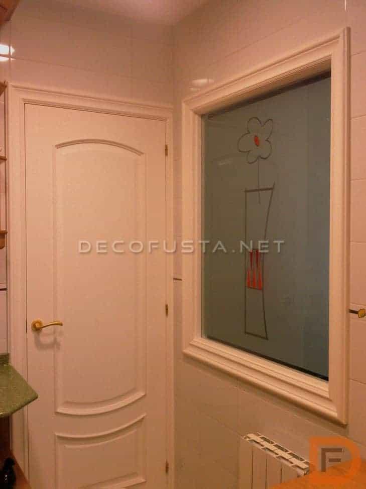 Puerta blanca lacada clásica
