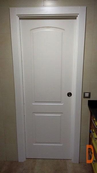 Puerta lacada clásica